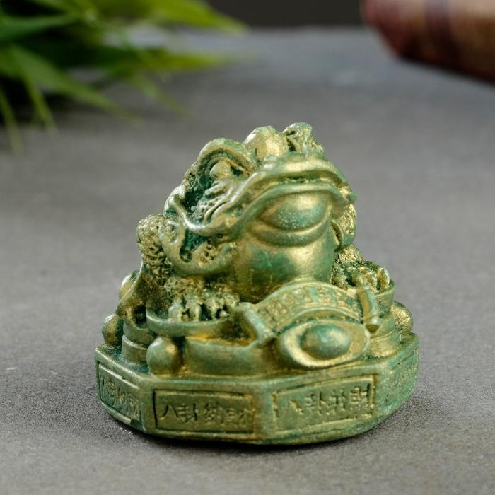 Фигура Жаба на деньгах зеленый с позолотой 3х5х5см