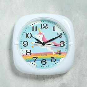 Часы настенные 'Единорог', d=17 см, 3 ААА, дискретный ход, 24х4х11 см Ош