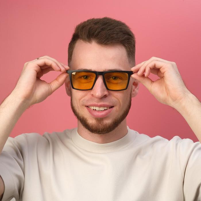Очки водительские поляризационные, линза 4.2х5.4 см, ширина 14.3 см, дужка13.5 см