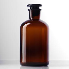 Склянки для реактивов из темного стекла с узкой горловиной и притертой пробкой 500 мл