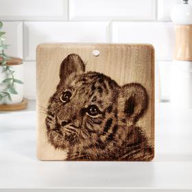 """Доска из массива кедра разделочная квадратная, 18 × 18 см """"Тигр"""" №4"""