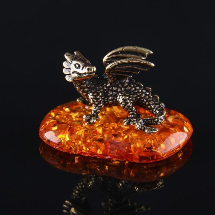 Сувенир Дракон, латунь, янтарная смола, 1,6х1,9х2,7 см