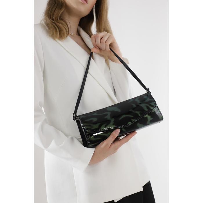 Клатч, отдел на клапане, наружный карман, цвет чёрный