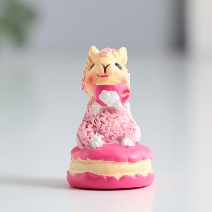 Фигурка полистоун Лама на макаруне, 4 см