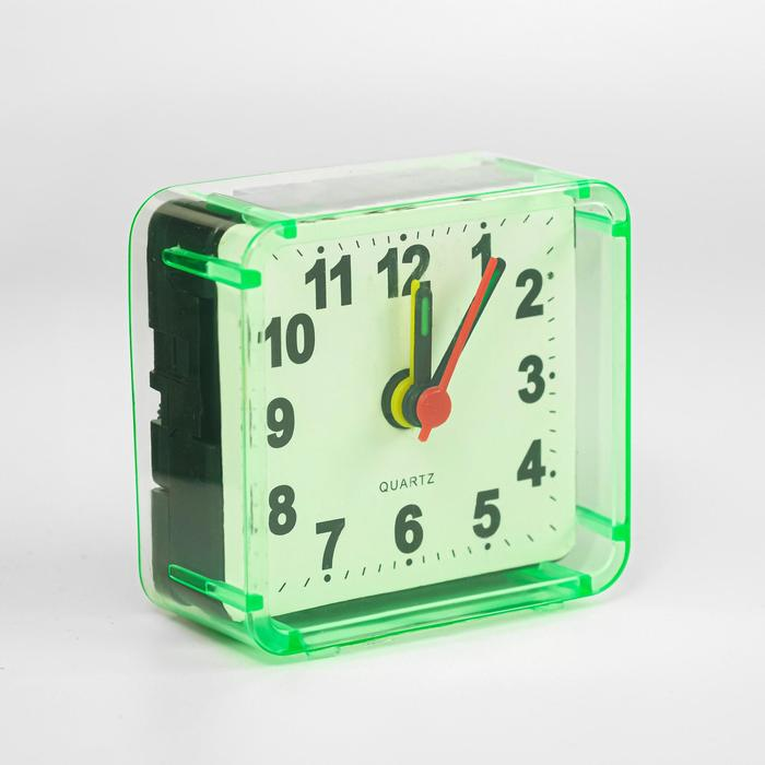 Будильник Квадрат, дискретный ход, 5.5 х 5.5 см, d5.5 см, зелёный