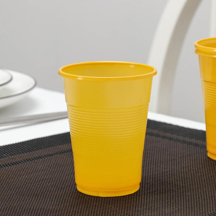 Стакан одноразовый Мопс, 200 мл, цвет жёлтый