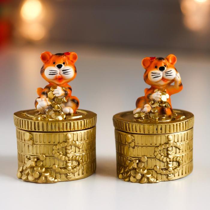 Шкатулка полистоун Тигруша на золотых монетках МИКС 7,2х5,2х5,2 см