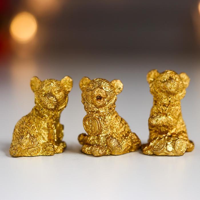 Сувенир полистоун Золотой тигрёнок с монетками МИКС 2,8х1,8х1,8 см