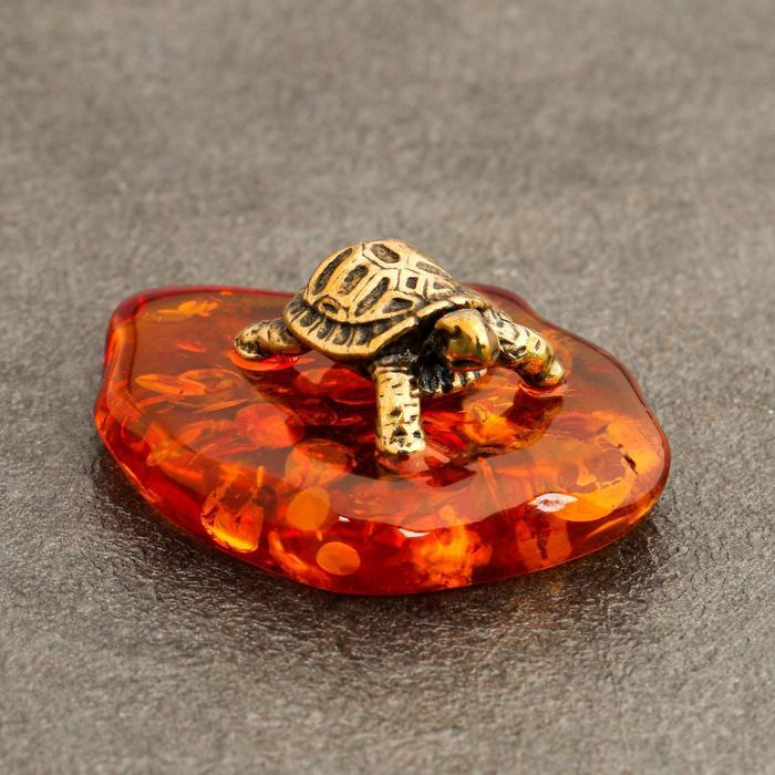 Сувенир Черепашка маленькая, латунь, янтарь, 0,9х1,7х2,7 см