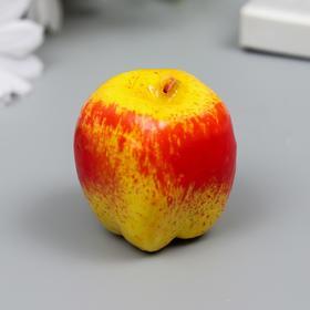 Декоратинвый элемент яблоко, 50мм желтый-красный