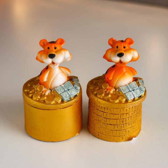 Шкатулка полистоун Тигр с золотыми монетками МИКС 9х5х5 см