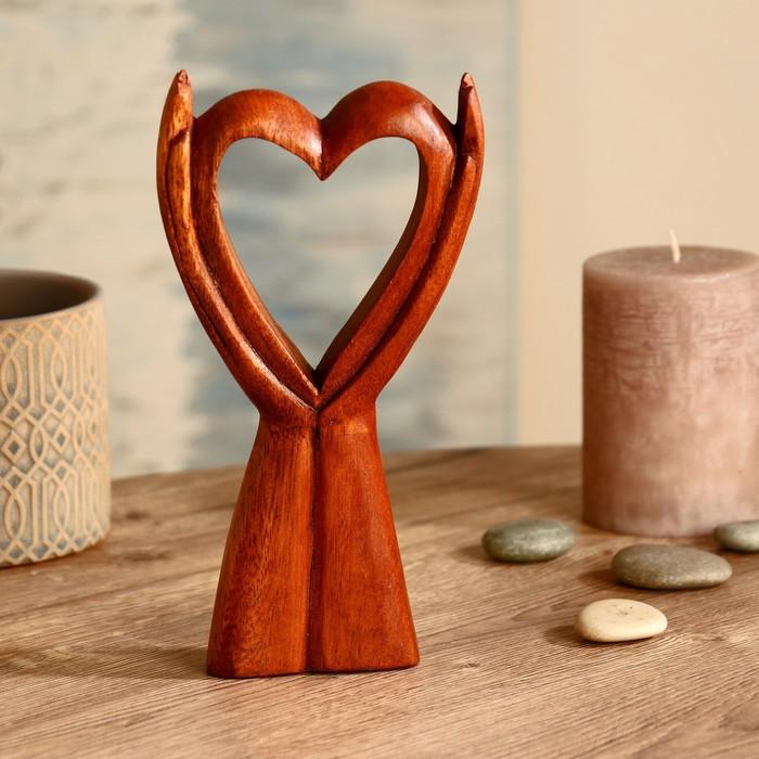 "Абстракция ""Сердце на лодонях"" дерево суар 20 см"