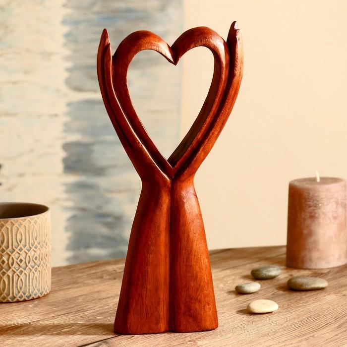 "Абстракция ""Сердце на лодонях"" дерево суар 30 см"