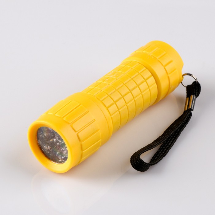 Фонарь ручной Помощник, 9 LED, 3 ААА, 3х10 см, микс