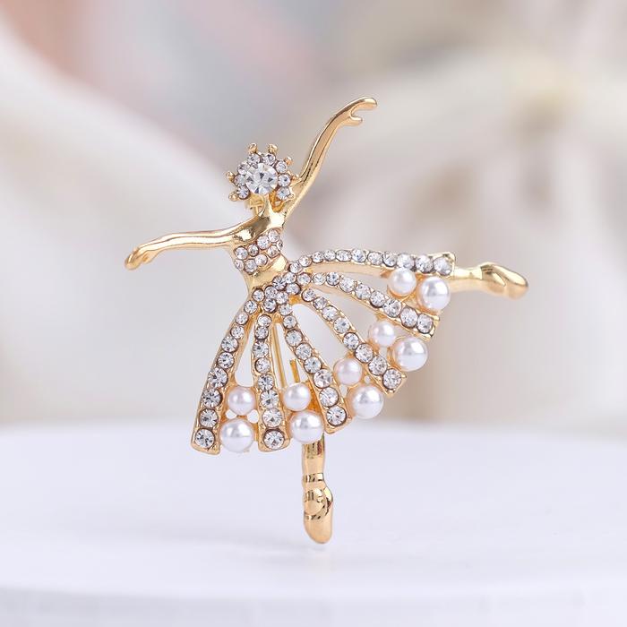"""Брошь """"Балерина"""" с бусинками, цвет белый в золоте"""