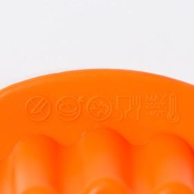 Форма для выпечки Доляна «Рифлёный круг. Звезда», 29×28 см, с ручками, цвет МИКС