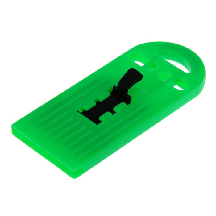 Скребок TUNDRA, пластиковый корпус, выдвижное лезвие, 40 мм