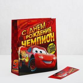Пакет ламинат с открыткой-игрой 'С Днем рождения чемпион', Тачки Ош